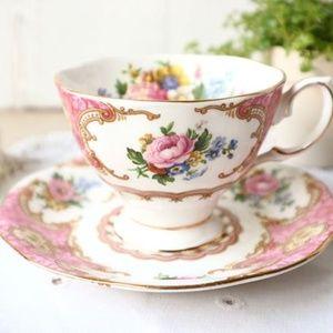 Vintage Royal Albert Lady Carlyle Teacup & Saucer